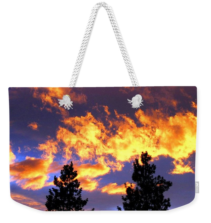 Sunset Weekender Tote Bag featuring the photograph Okanagan Sunset by Will Borden