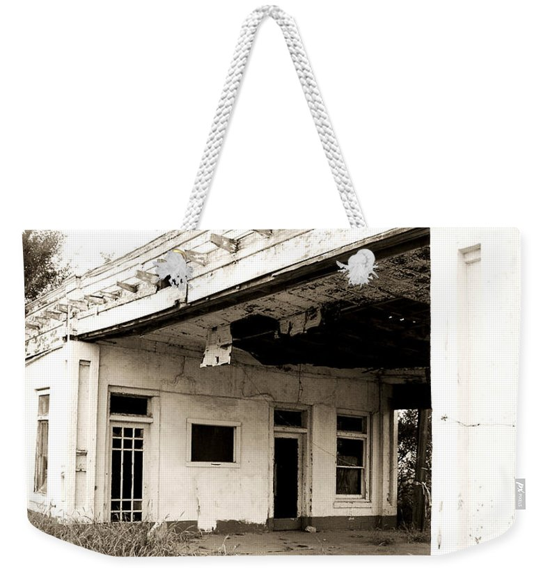 Americana Weekender Tote Bag featuring the photograph Old Art Deco Filling Station by Marilyn Hunt
