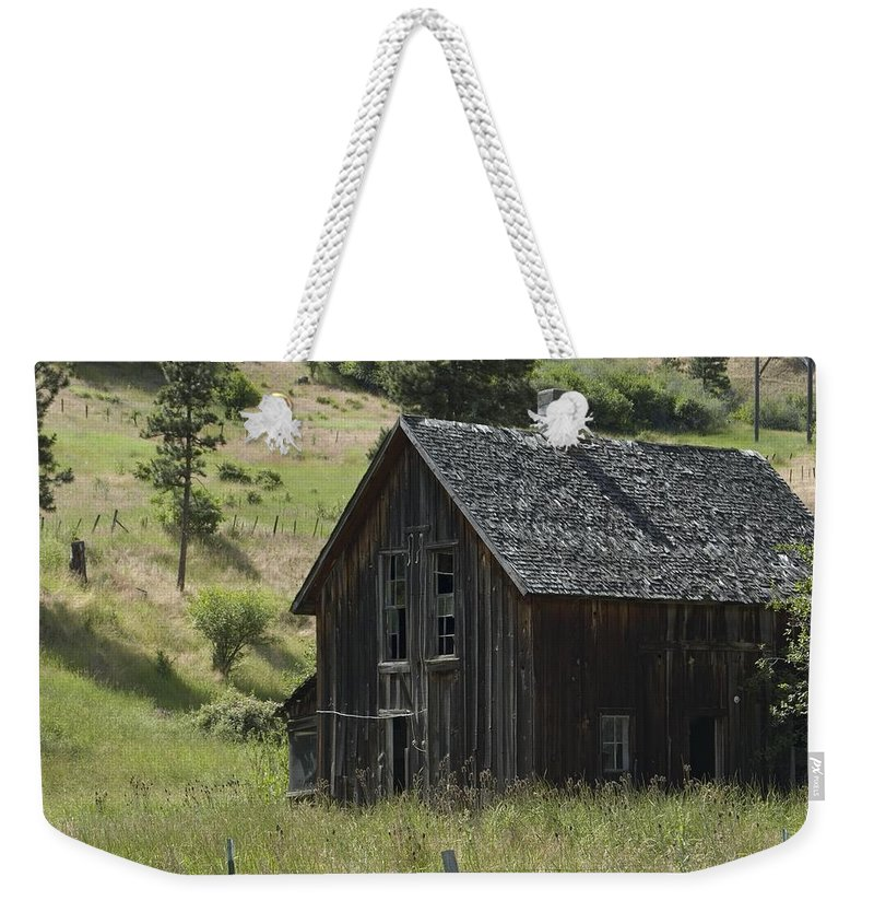 Old Farm House Weekender Tote Bag featuring the photograph Old Farm House by Sara Stevenson