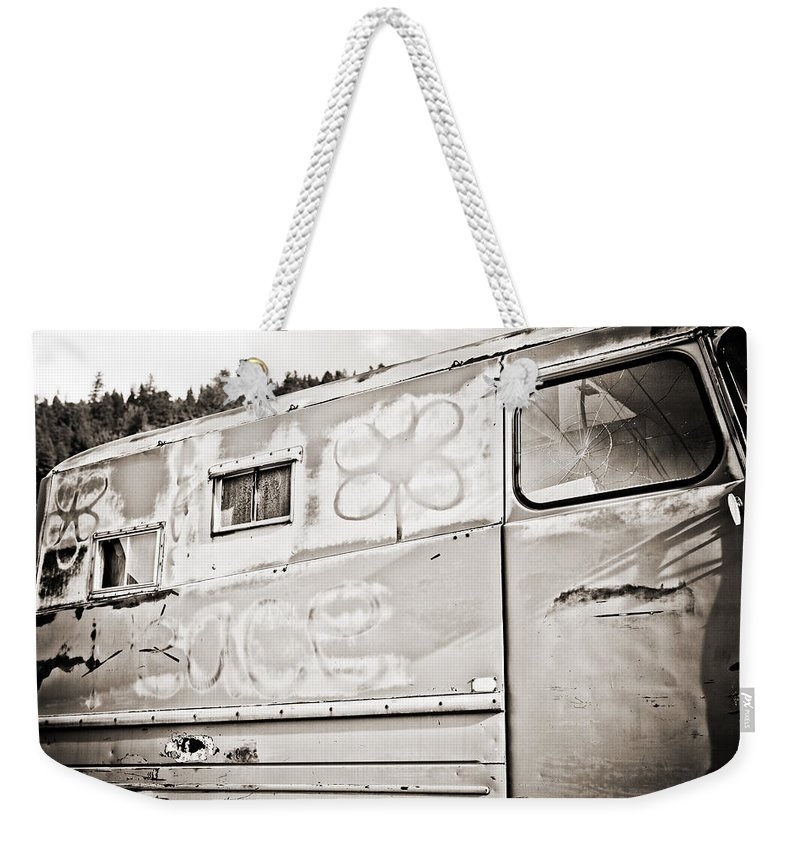 Americana Weekender Tote Bag featuring the photograph Old Hippie Peace Van by Marilyn Hunt
