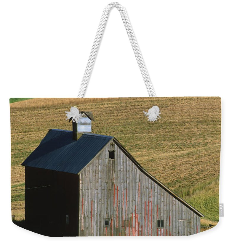 Palouse Weekender Tote Bag featuring the photograph Old Palouse Barn by Sandra Bronstein