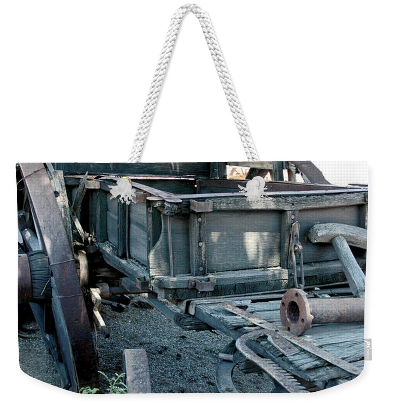 Usa Weekender Tote Bag featuring the photograph Old West Wagon Train Down by LeeAnn McLaneGoetz McLaneGoetzStudioLLCcom
