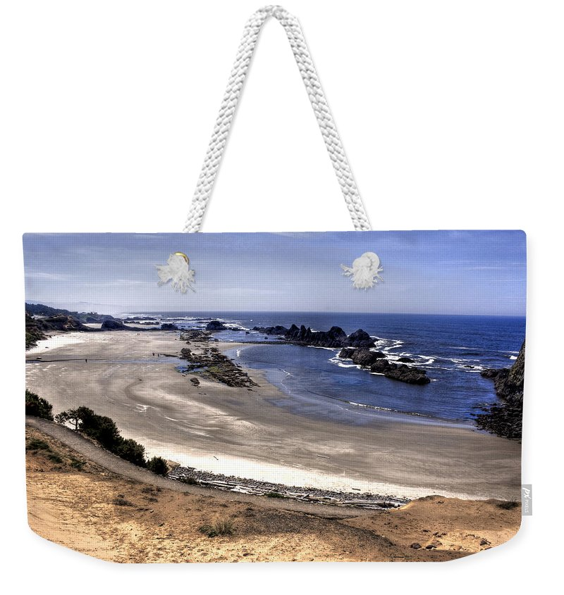 Scenic Weekender Tote Bag featuring the photograph Oregon Coast by Lee Santa