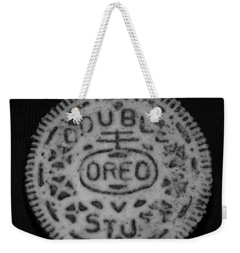 Oreo Weekender Tote Bag featuring the photograph Oreo In Matte Finish by Rob Hans
