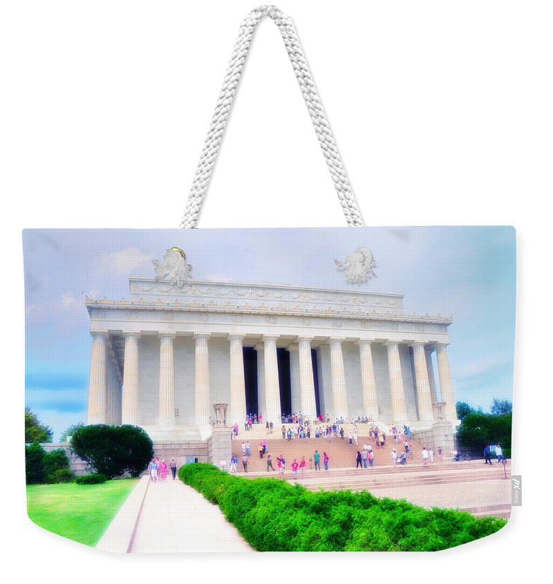 Lincoln Weekender Tote Bag featuring the photograph Outside The Lincoln Memorial by Bill Cannon