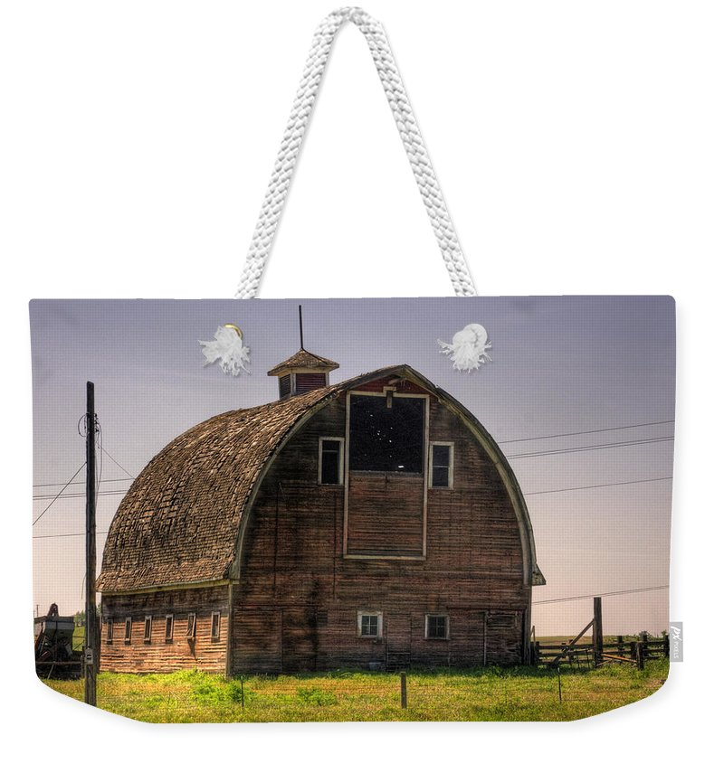 Palouse Weekender Tote Bag featuring the photograph Palouse Barn by Lee Santa
