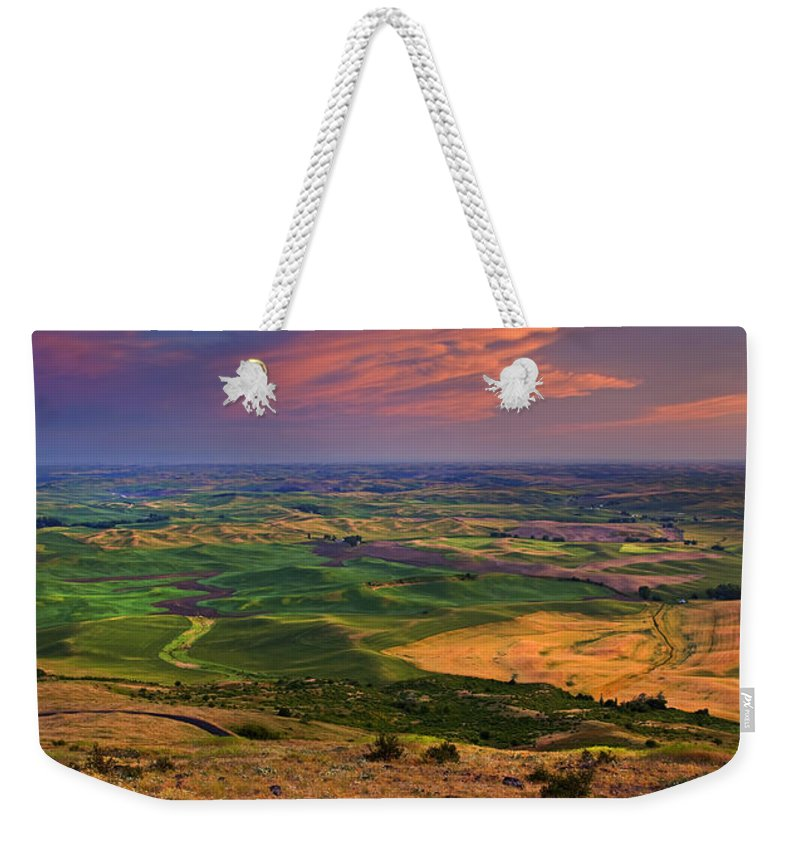 Palouse Weekender Tote Bag featuring the photograph Palouse Skies Ablaze by Mike Dawson
