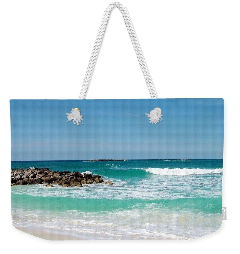 Nasau.atlantis Weekender Tote Bag featuring the photograph Paradise Island by Gary Wonning