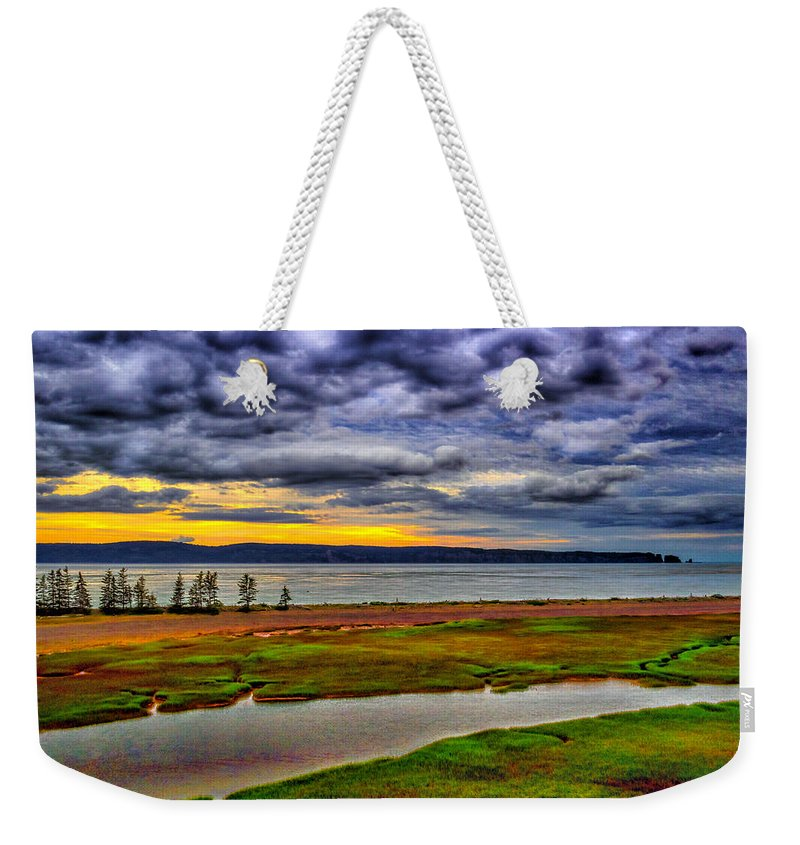 Canada Weekender Tote Bag featuring the photograph Parrsboro Dawn by Mark Llewellyn