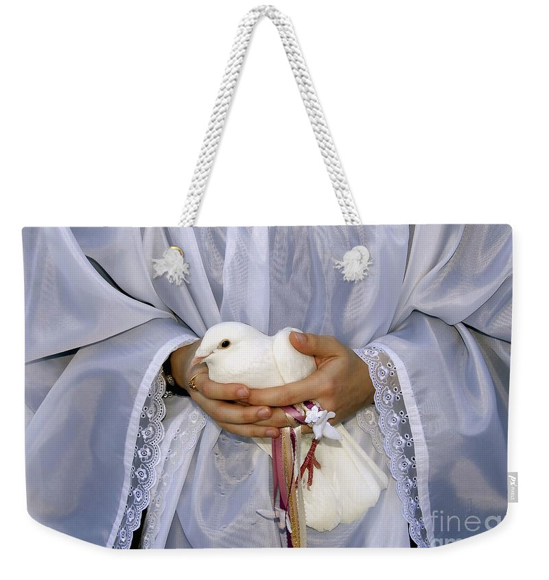 Peace Dove Weekender Tote Bag featuring the photograph Peace Dove by David Lee Thompson
