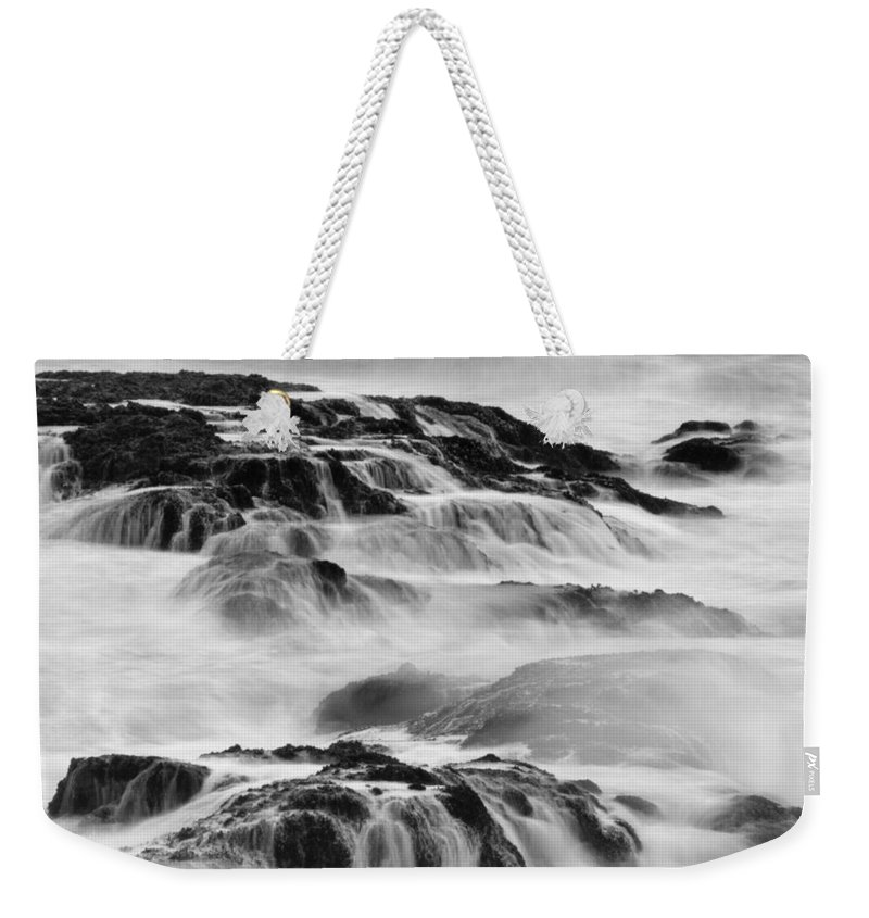 Pescadero Weekender Tote Bag featuring the photograph Pescadero Sb 8517 by Bob Neiman