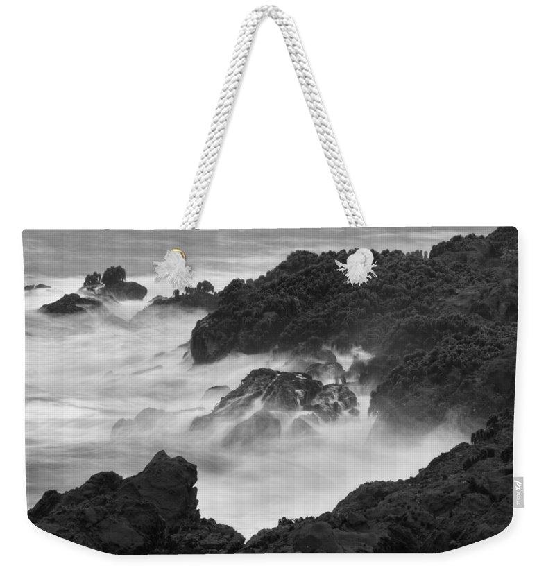 Kelp Weekender Tote Bag featuring the photograph Pescadero Sb 8836 by Bob Neiman