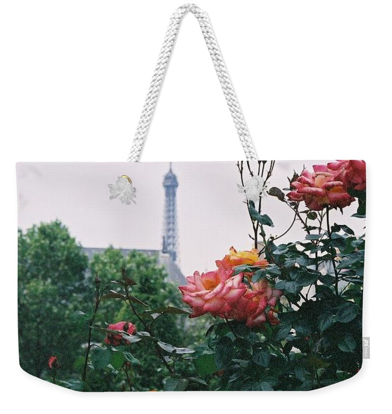 Roses Weekender Tote Bag featuring the photograph Pink Roses And The Eiffel Tower by Nadine Rippelmeyer