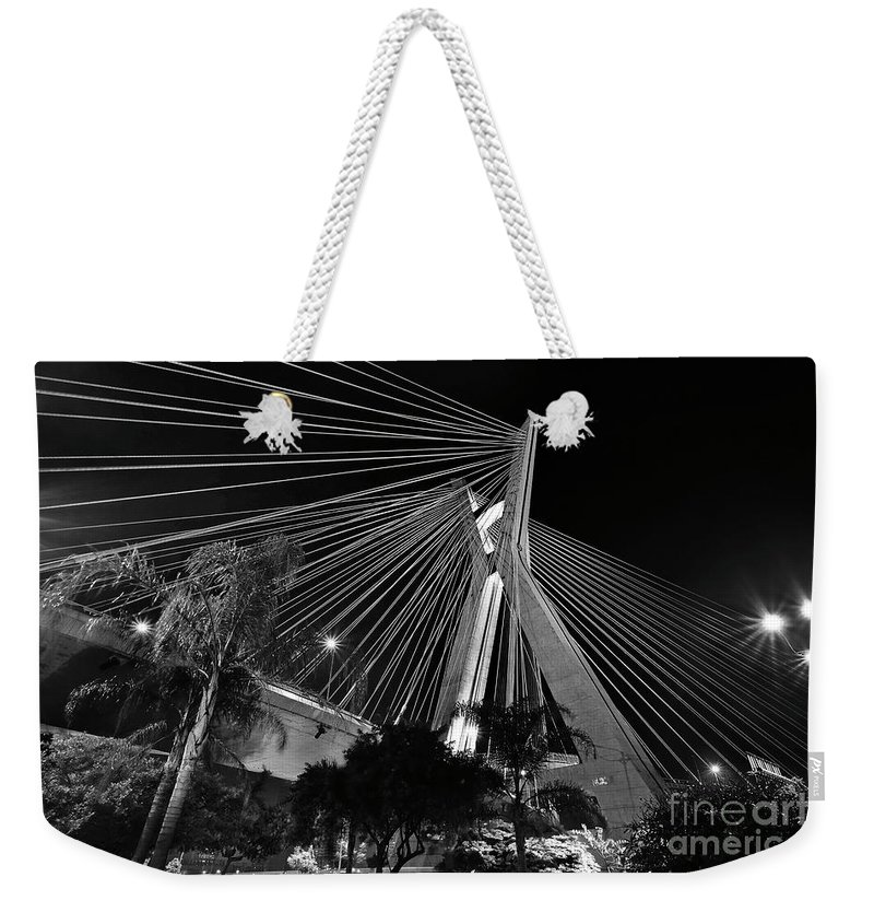 Sao Paulo Weekender Tote Bag featuring the photograph Ponte Octavio Frias De Oliveira At Night - Sao Paulo, Brazil by Carlos Alkmin