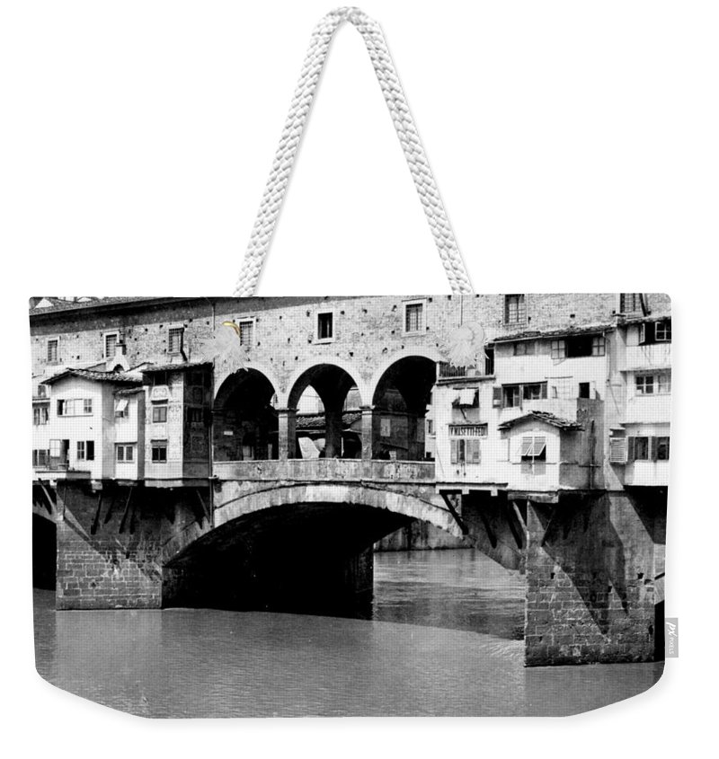 Florence Weekender Tote Bag featuring the photograph Ponte Vicchio Bridge In Florence Italy - C 1905 by International Images