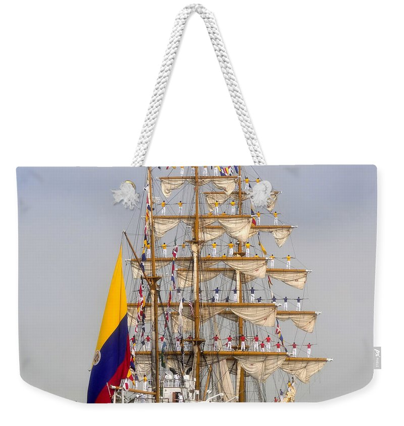 Columbia Weekender Tote Bag featuring the photograph Pride Of Columbia by David Lee Thompson