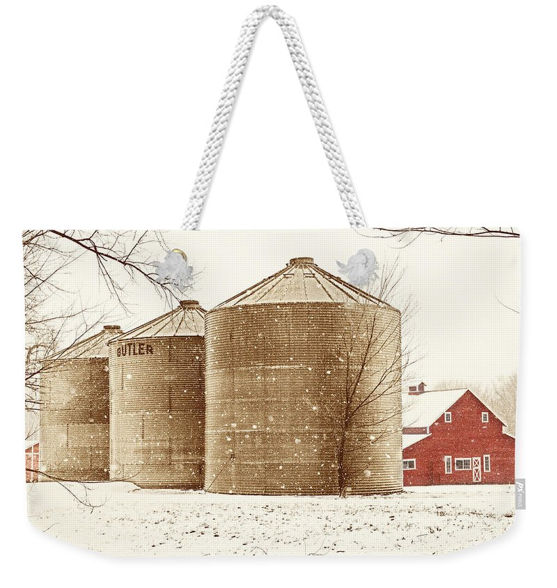 Americana Weekender Tote Bag featuring the photograph Red Barn In Snow by Marilyn Hunt
