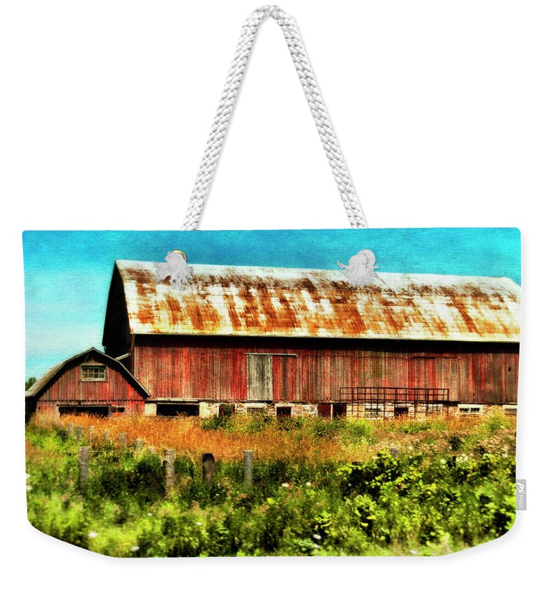 Red Barn Weekender Tote Bag featuring the photograph Red Barn No.1 by Tammy Wetzel