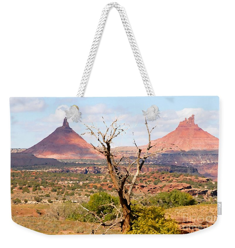 Buttes Weekender Tote Bag featuring the photograph Red Buttes by David Lee Thompson