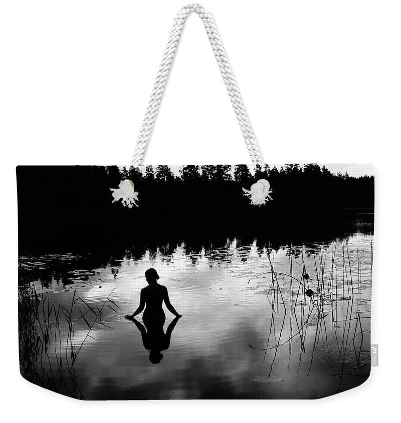 Silhouette Weekender Tote Bag featuring the photograph Reflecting Beauty BoW by Nicklas Gustafsson