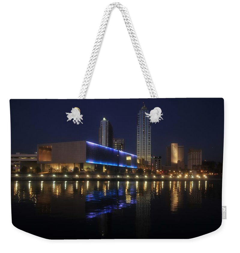 Tampa Florida Weekender Tote Bag featuring the photograph Reflections On Tampa by David Lee Thompson