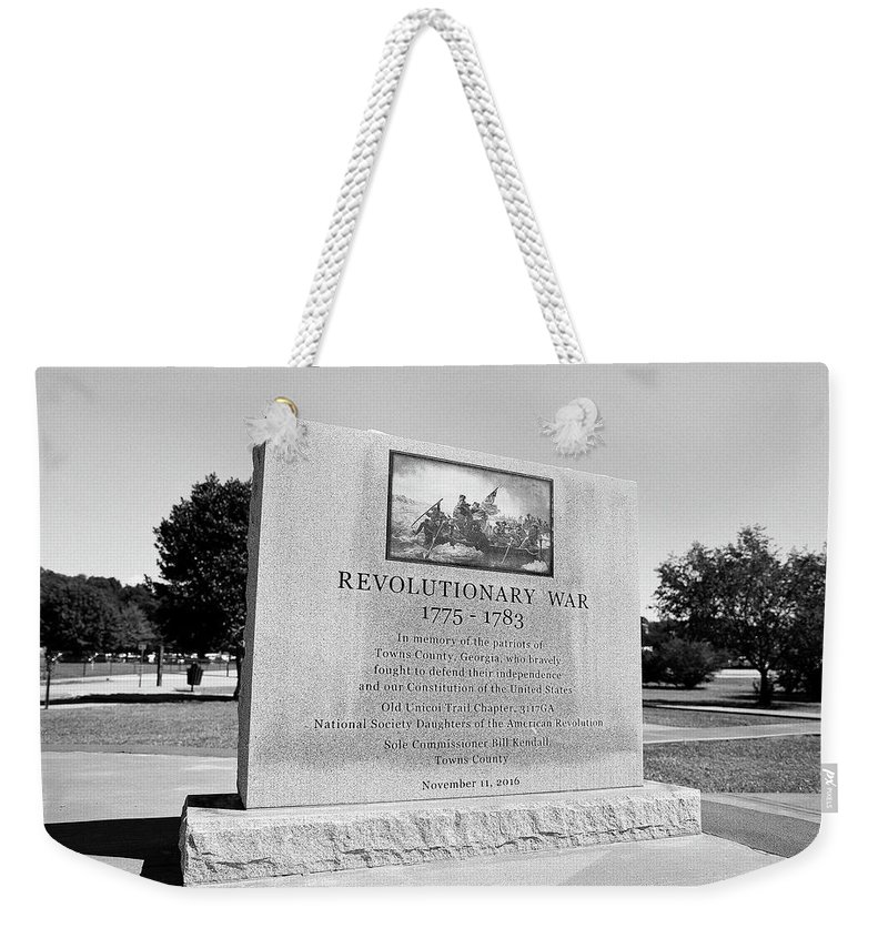 120 Film Weekender Tote Bag featuring the photograph Revolutionary War Memorial 1775 To 1783 by Timothy Wildey