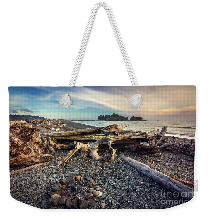 Beach Weekender Tote Bag featuring the photograph Rialto Beach Washington by Joan McCool