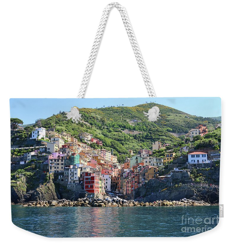 Cinque Terre Weekender Tote Bag featuring the photograph Riomaggiore 0583 B by Jack Schultz