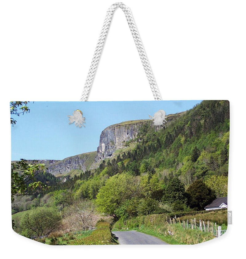 Irish Weekender Tote Bag featuring the photograph Road To Benbulben County Leitrim Ireland by Teresa Mucha