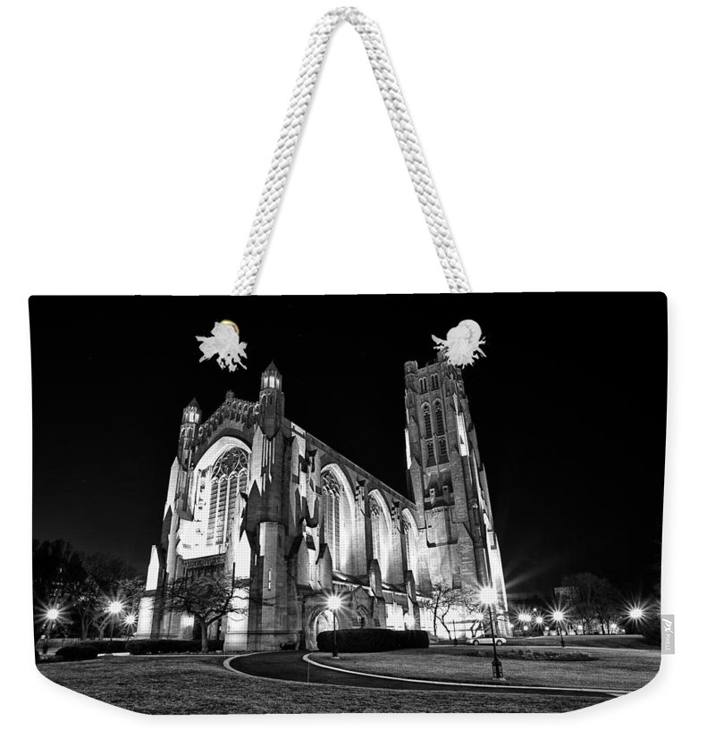 Chicago Weekender Tote Bag featuring the photograph Rockefeller Chapel - B And W by CJ Schmit