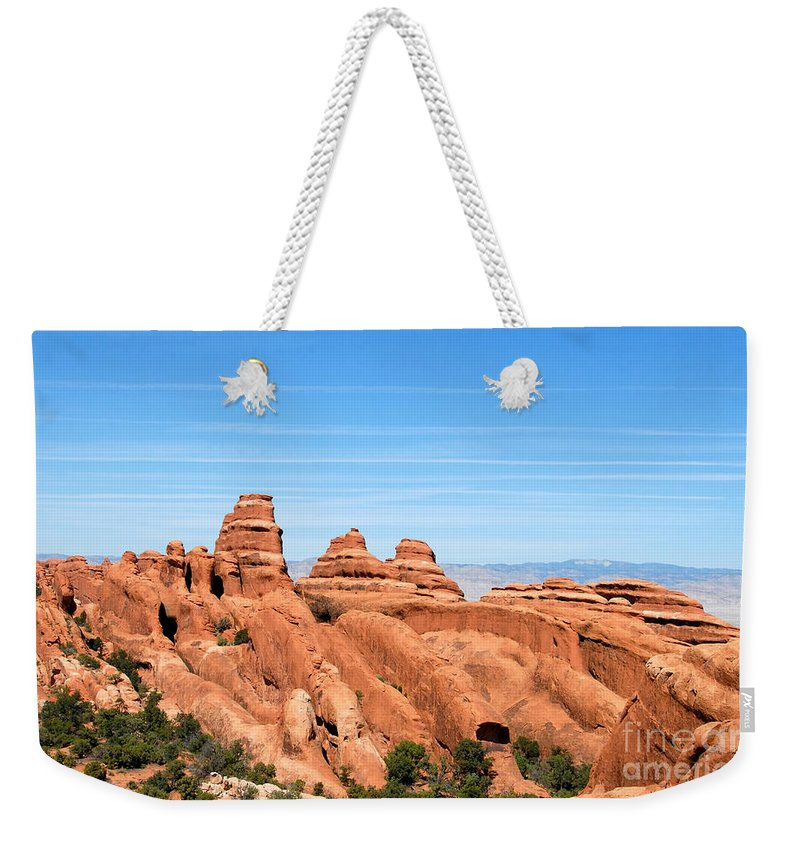 Utah Weekender Tote Bag featuring the photograph Rocksky by David Lee Thompson