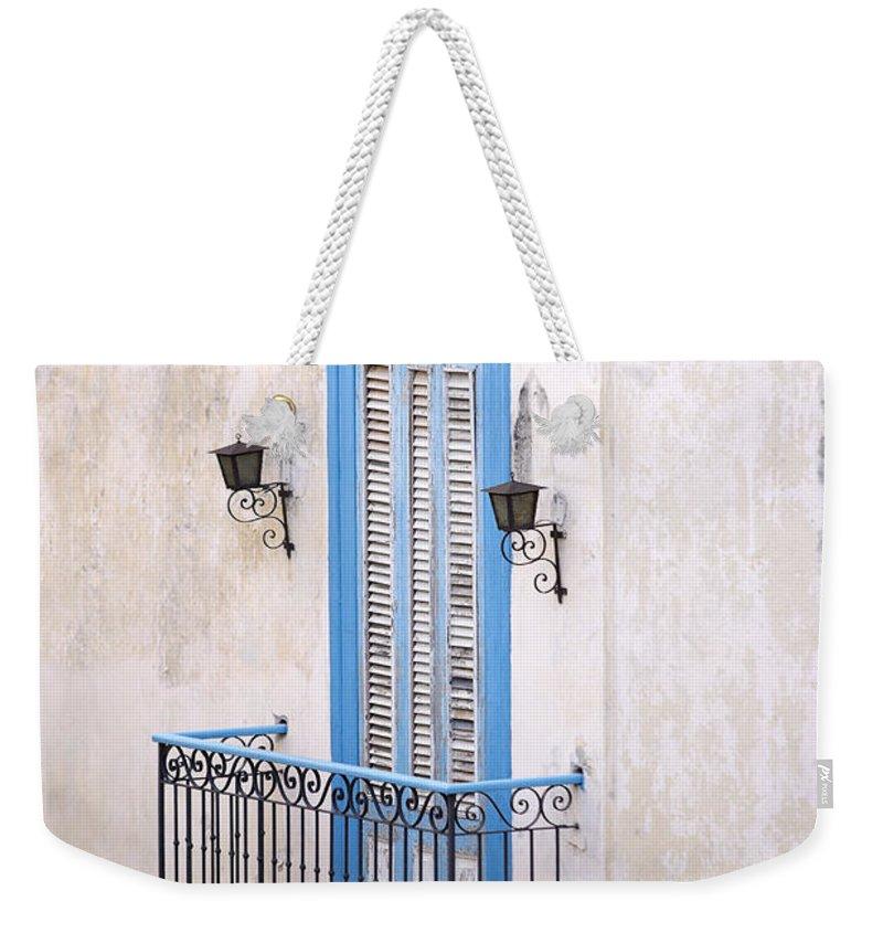 Urban Weekender Tote Bag featuring the photograph Romeo Y Julieta Juliet by Pierre Logwin