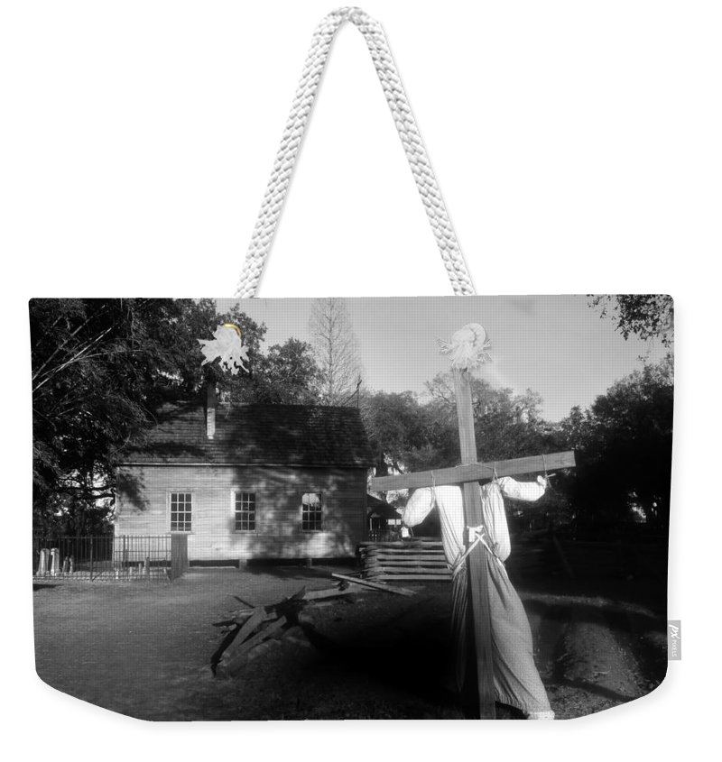 Scarecrow Weekender Tote Bag featuring the photograph Scarecrow by David Lee Thompson