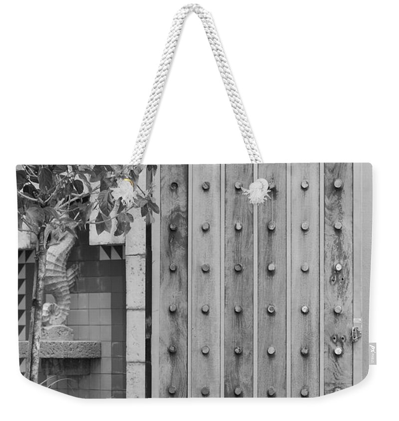 Black And White Weekender Tote Bag featuring the photograph Sea Horse Gate by Rob Hans