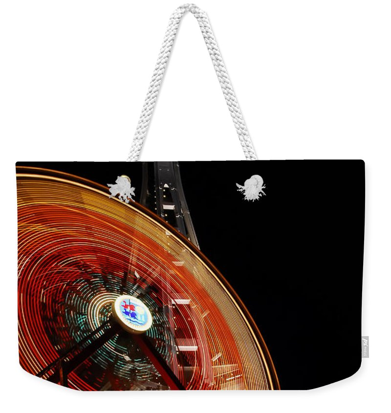 Seattle Weekender Tote Bag featuring the photograph Seattlelights by David Lee Thompson