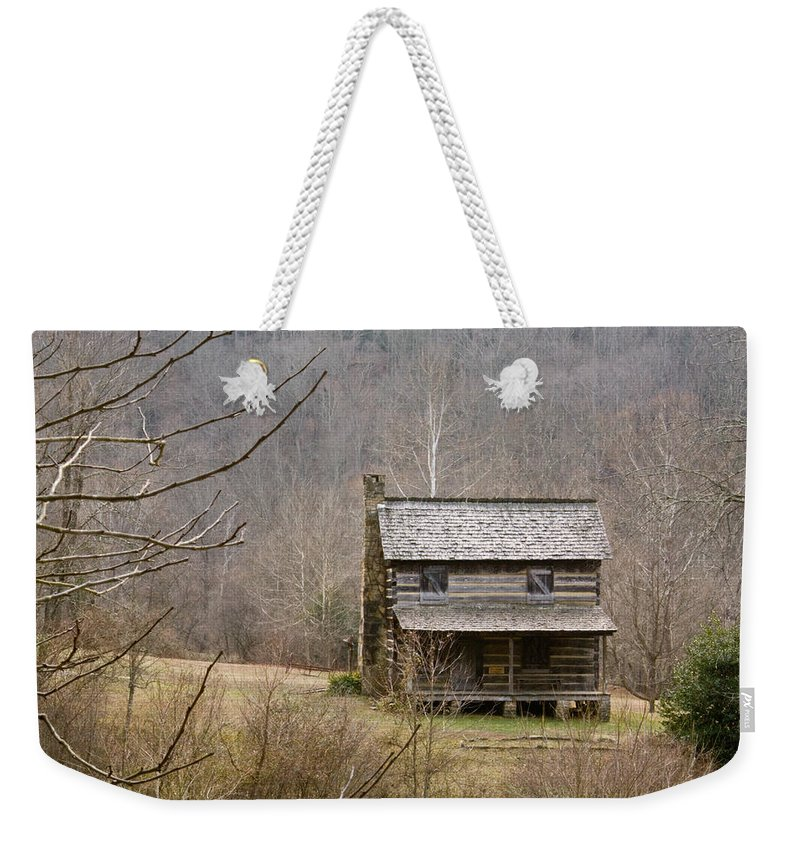 Settlers Weekender Tote Bag featuring the photograph Settlers Cabin In Cades Cove by Douglas Barnett