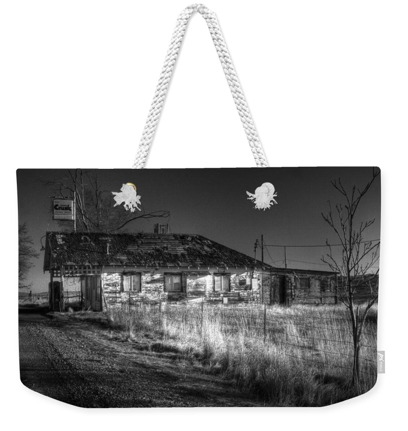 Landscape Weekender Tote Bag featuring the photograph Shaniko Past by Lee Santa