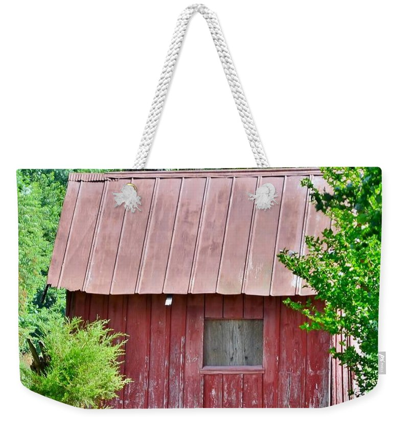Barn Weekender Tote Bag featuring the photograph Small Red Barn - Lewes Delaware by Kim Bemis