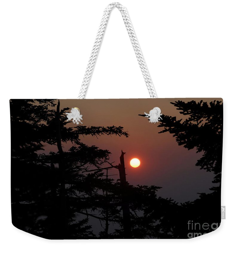 Smoky Mountain National Park Weekender Tote Bag featuring the photograph Smoky Mountain Sunset by David Lee Thompson