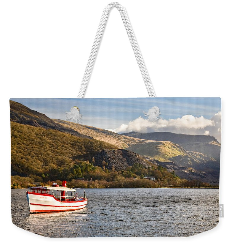 Snowdonia Weekender Tote Bag featuring the photograph Snowdon Star by Dave Bowman