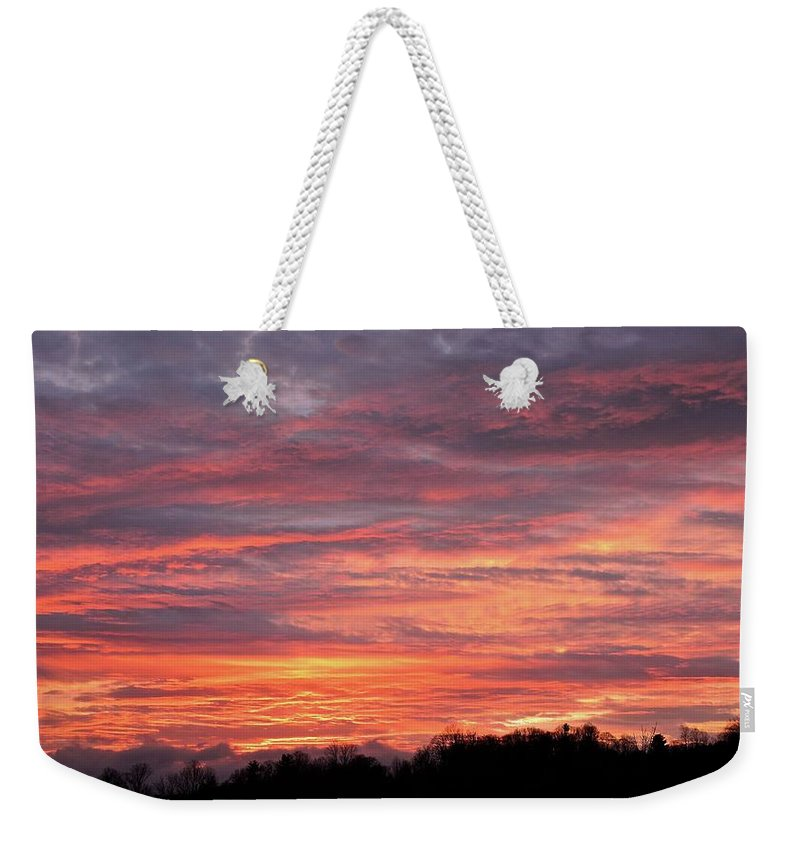 Sunset Weekender Tote Bag featuring the photograph Spectacular Sky by Pope McElvy