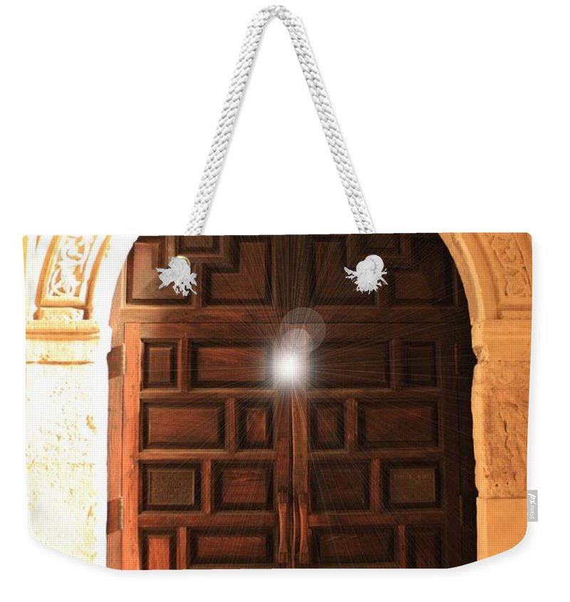 Alamo Weekender Tote Bag featuring the photograph Spirit Of The Alamo by Carol Groenen