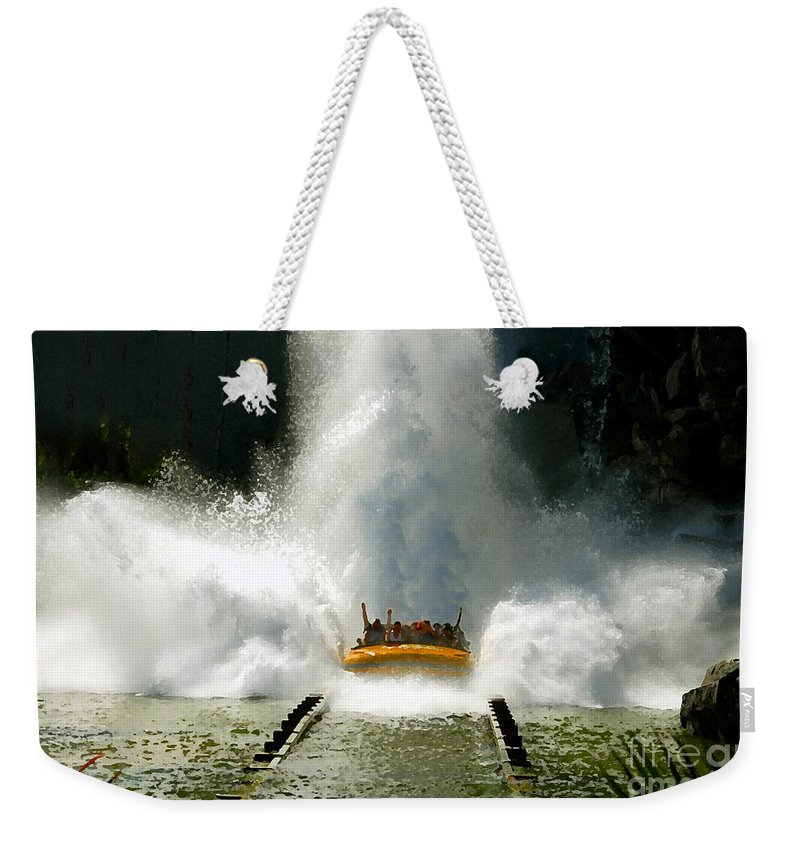 Universal Studios Weekender Tote Bag featuring the photograph Splash Down by David Lee Thompson