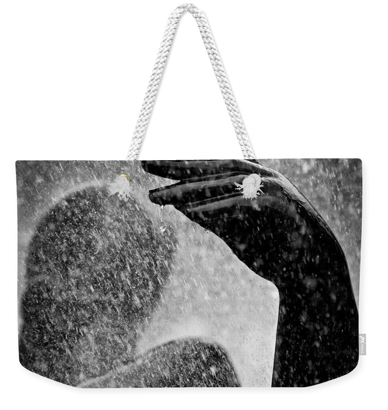 Fountain Weekender Tote Bag featuring the photograph Spray by Dave Bowman