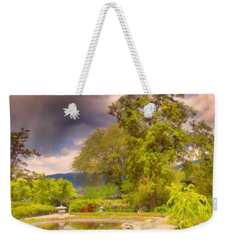 Gardens Weekender Tote Bag featuring the photograph Spring In The Gardens by Tara Turner