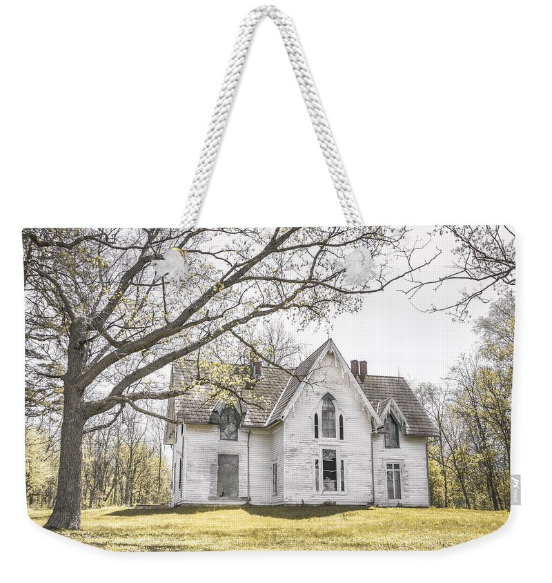 Abandonment Weekender Tote Bag featuring the photograph Springtime Ledge Homestead by Dawn Braun