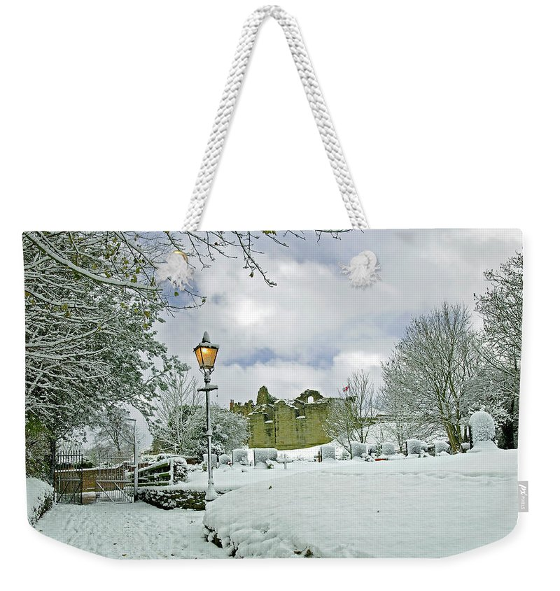 England Weekender Tote Bag featuring the photograph St Mary's Churchyard - Tutbury by Rod Johnson