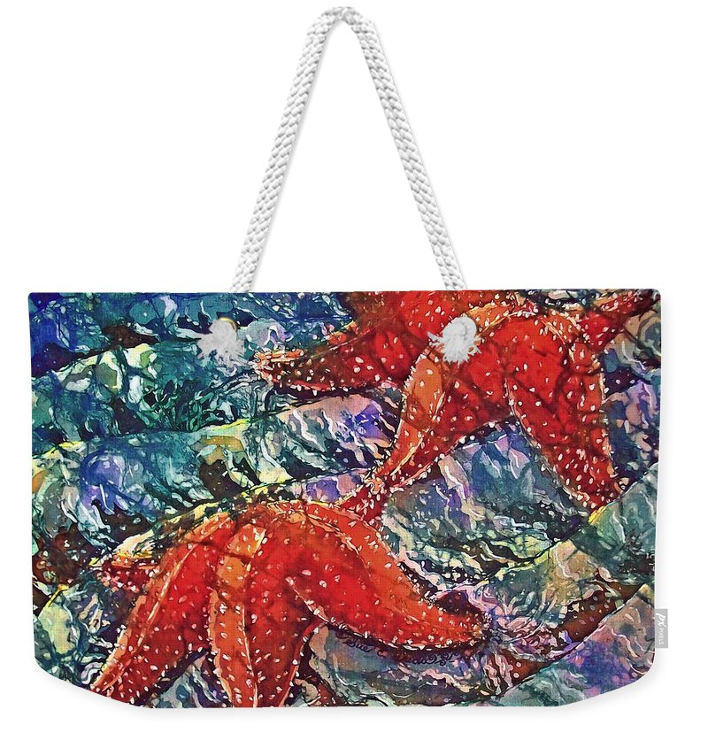 Stars Weekender Tote Bag featuring the painting Starfish 2 by Sue Duda