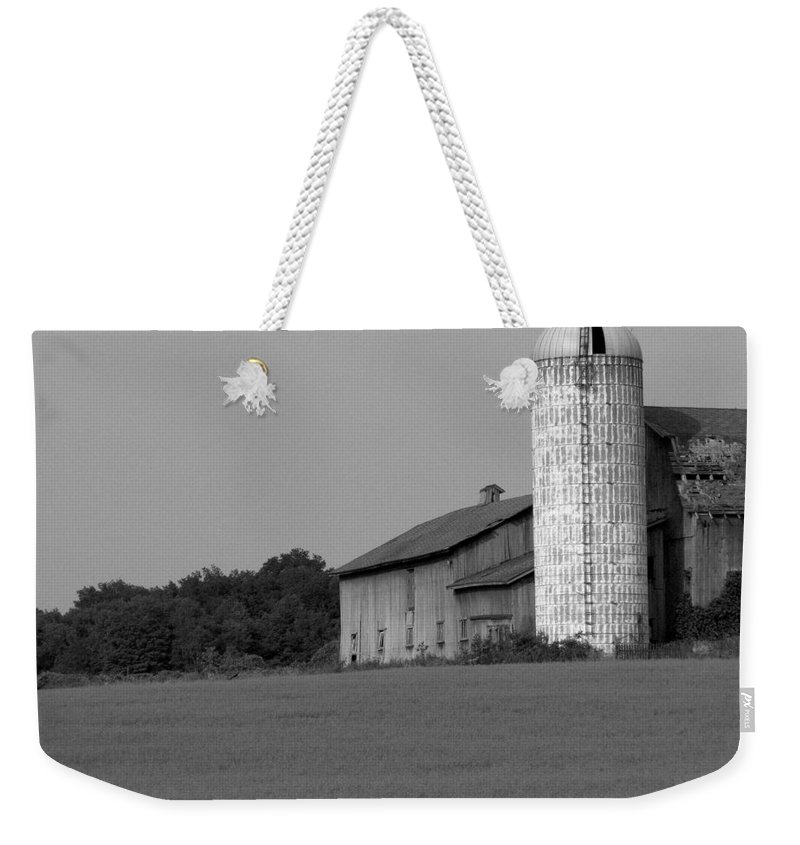 Barn Weekender Tote Bag featuring the photograph Still Here by Rhonda Barrett