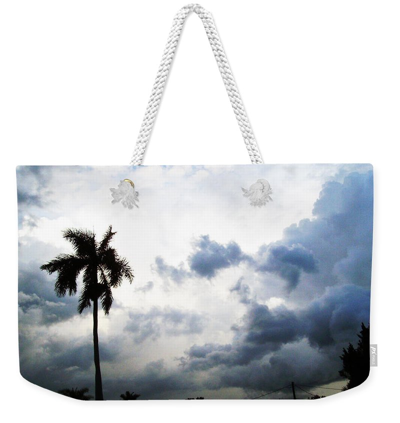 Florida Weekender Tote Bag featuring the photograph Storm Brewing by Chris Andruskiewicz